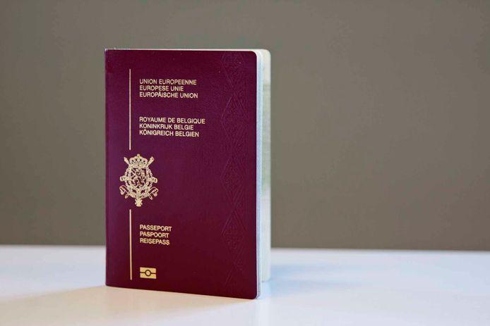 Vanaf 1 oktober is een internationaal paspoort verplicht wanneer je naar het Verenigd Koninkrijk reist. Je kan zo'n paspoort aanvragen bij je gemeente- of stadsbestuur.