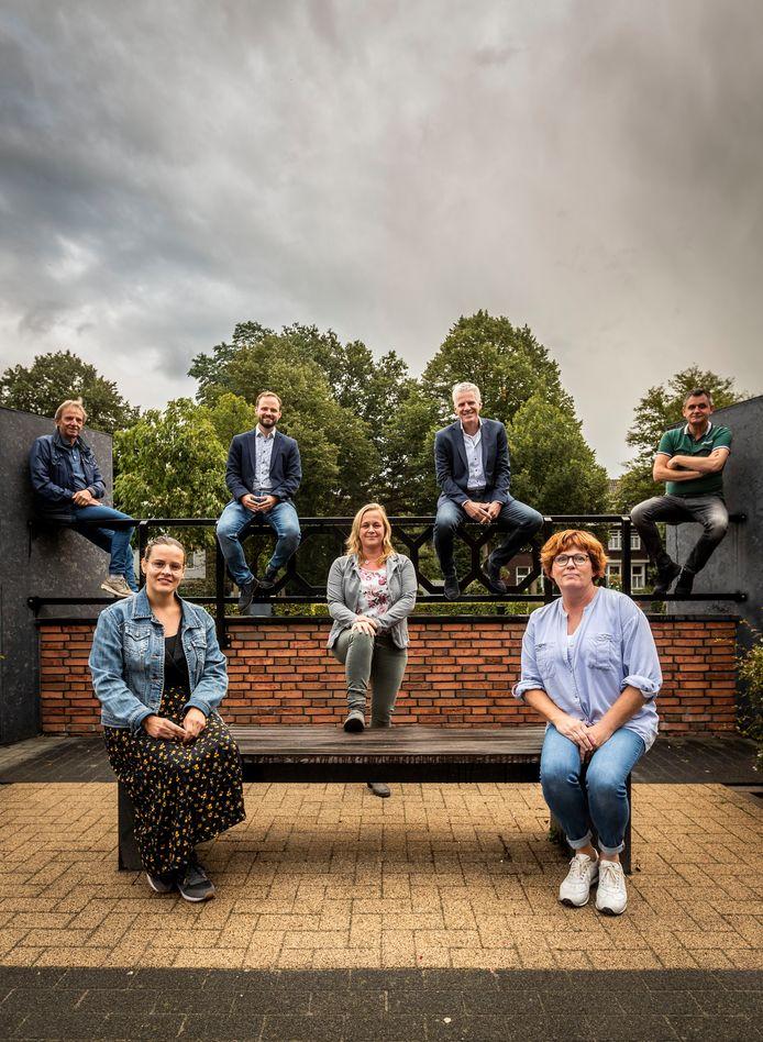 Bij de dorpsraad van Someren-Eind is Cindy Manders (links vooraan) al langer betrokken als dorpsondersteuner.