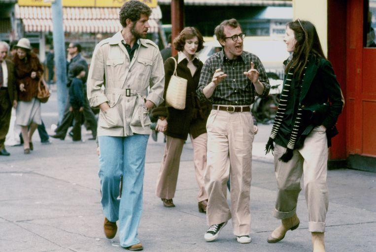 Allen met Tony Roberts en Diane Keaton in 'Annie Hall', 1977.  Beeld Sunset Boulevard/Corbis via Getty Images