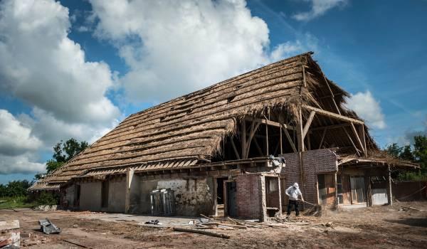 NAM blijft aardbevingsschade ontkennen bij Groningse boer