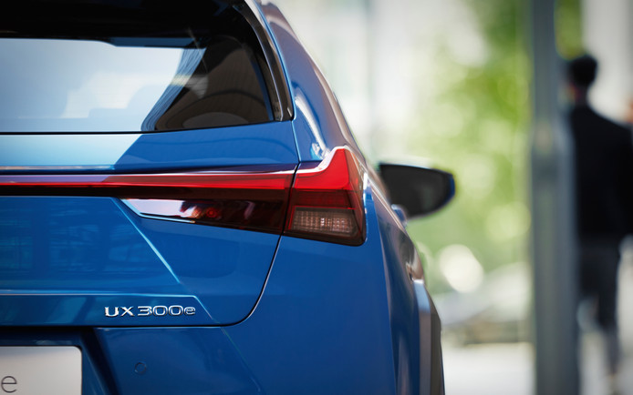 De elektrische Lexus UX 300h.