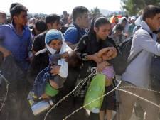 """Deneuve et les migrants: """"Quel égoïsme, ça me bouleverse"""""""