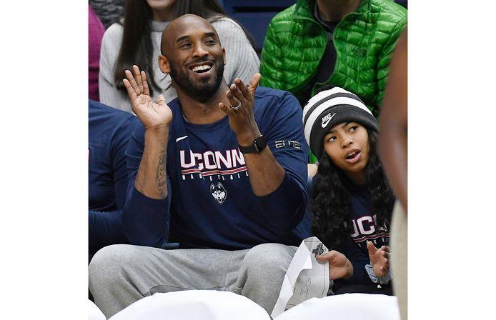Kobe Bryant en z'n dochter Gianna, die ook overleed tijdens de helikoptercrash.