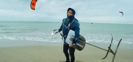Annelous kitesurft acht uur voor ALS: 'Ik dacht de hele tijd, wat maakt het uit dat ik koud en moe word'