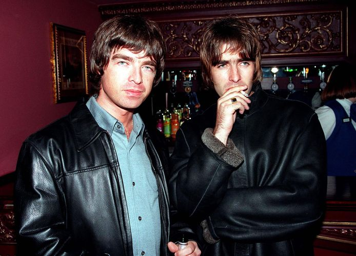 Liam en Noel Gallagher in 1995.