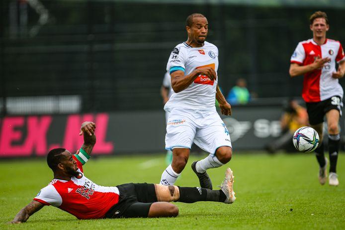Leroy Fer tegen AA Gent.