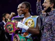 Boksster Claressa Shields eerste vrouwelijke kampioen met vier wereldtitels