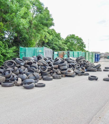 Honderden banden gedumpt op industrieterrein in Huissen