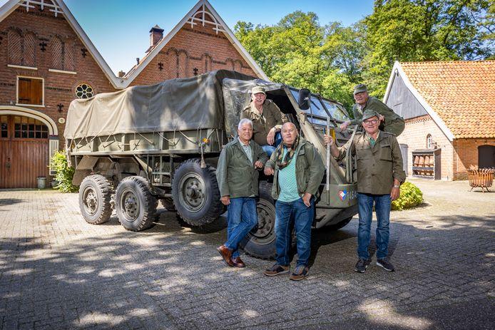 Terug naar de Koude Oorlog, v.l.n.r , boven: Piet Oudshoorn, Jan Wilbers. Onder: Ferd Bruijniius, Kobes Jonk en Rut van de Groep.