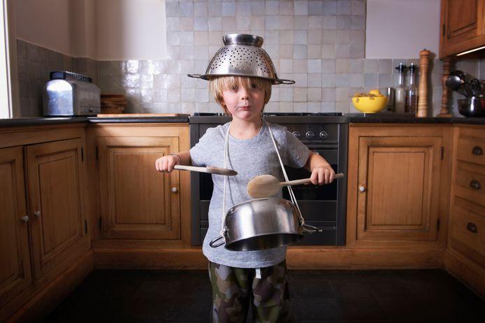 Een scherp mes en een pollepel heb je altijd nodig, maar wat is nog meer onmisbaar tijdens het koken?