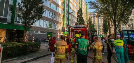 Brand in flatgebouw Gorinchem: hulpdiensten sturen bewoners de straat op