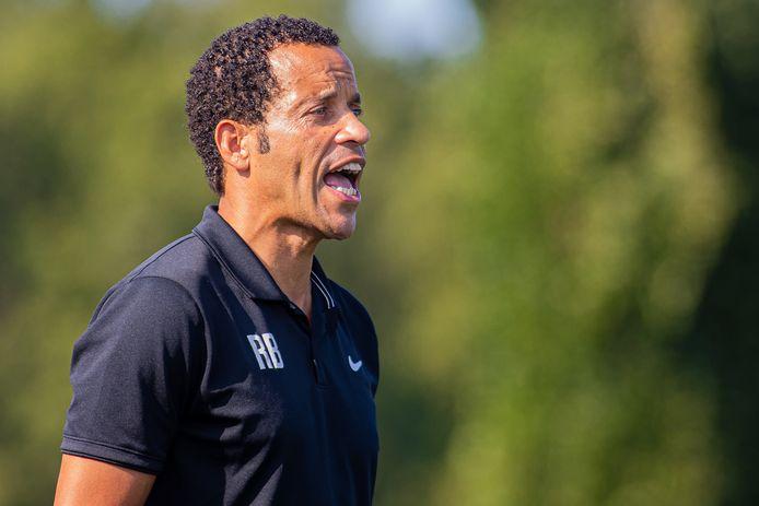 Remko Bicentini, coacht Juliana'31 tegen SV Meerssen.