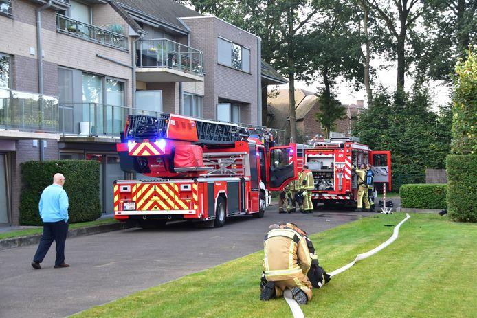 De tussenkomst van de brandweer speelde zich af vlakbij de appartementen in de buurt van het ING-kantoor langs de Dirk Martenslaan in Izegem.