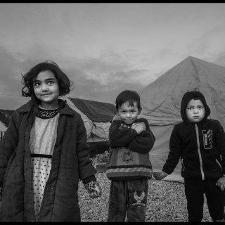 Foto's van kamp Moria, waar vluchtelingen klem zitten