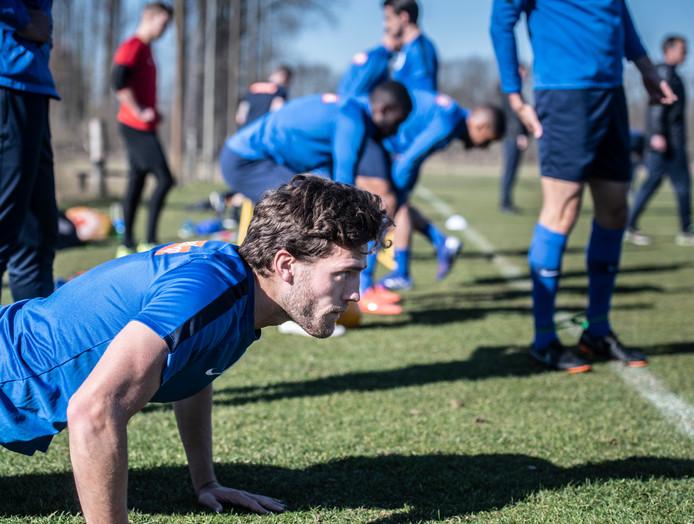 De Graafschap werkt zijn eerste training bij SVDW'75 af.