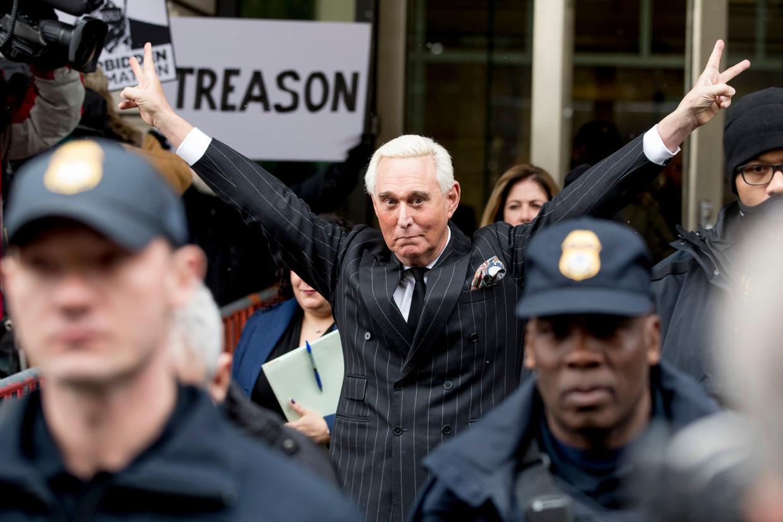 Roger Stone verlaat de federale rechtbank van Washington in februari dit jaar. Beeld AP