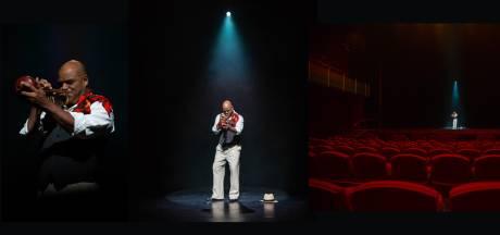 Anoek van Nunen fotografeert artiesten in lege theaters: 'Ik zoek de hunkering naar het optreden'