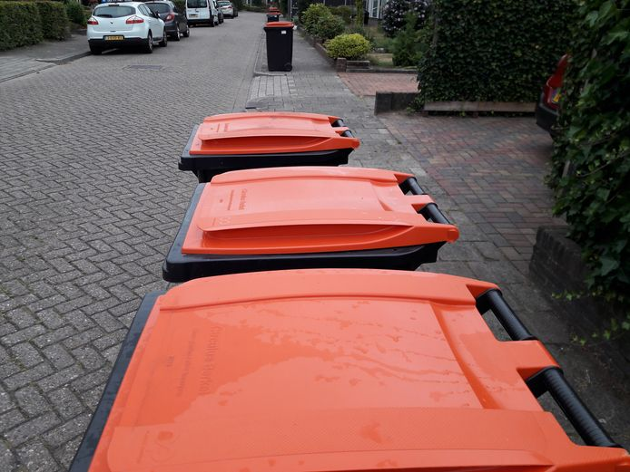 De massale afwijzing van PMD-vrachten loopt behoorlijk in de papieren voor de gemeente Hellendoorn. Die overweegt nu om juridische stappen te ondernemen om de geleden schade te verhalen.