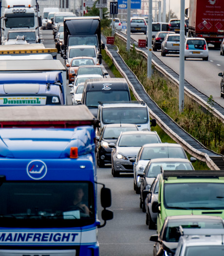 A4 weer open bij Bergen op Zoom, vertraging vanuit Antwerpen neemt af