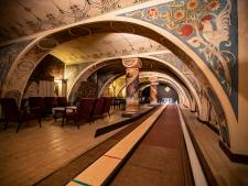 Neem een kijkje in Deventers mooiste geheime kelder, vol eeuwoude muurkunst van Bart Bokhorst