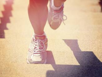 Een lange wandeling of snel wat trappen: wat is beter?