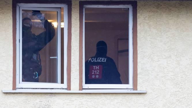Grootschalige razzia tegen neonazinetwerk: Duitse politie vindt drugs en geld