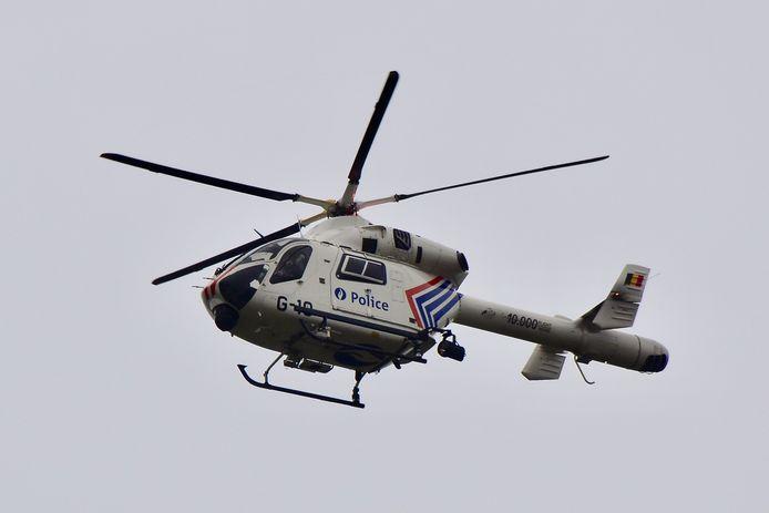 De helikopter van de federale politie werd ingezet tijdens de zoektocht.