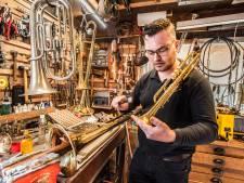 Blaasinstrument na carnaval kaduuk, Bert-Jan repareert het weer