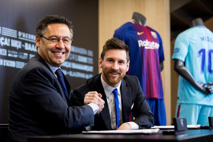 Bartomeu en Messi bij de vorige onderhandelingen, in 2017. Straks zitten ze opnieuw rond de tafel.