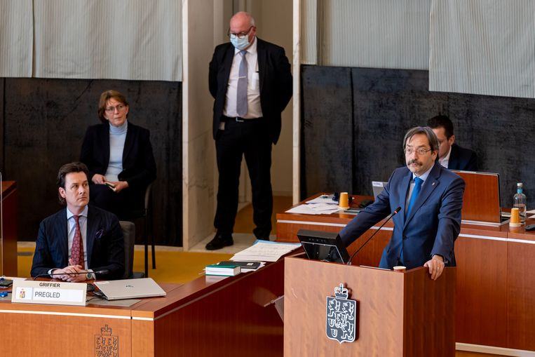 De Limburgse gouverneur Theo Bovens (CDA) in de Provinciale Staten. Bovens heeft aangegeven zou snel mogelijk weg te willen als  gouverneur. Beeld Hollandse Hoogte / Novum RegioFoto