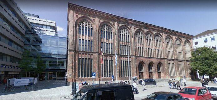 Het hoofdgebouw van de Isar-kliniek in München.