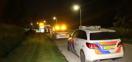 Auto belandt in Wierden op de kop in sloot