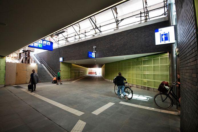 De toegang naar de net gereed gekomen tunnel op station Geldermalsen