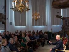 Jan Terlouw begon met schrijven door echtgenote Alexandra: 'Doe alles wat je vrouw zegt, maar niet meteen'