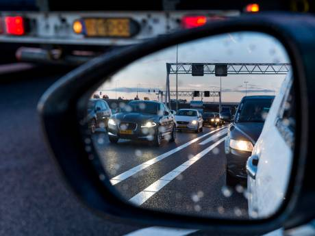 Storing in asfaltcentrale verlamt werk aan snelwegen en legt verkeer stil