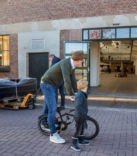 'Eenpitters' in Hengelose gemeenteraad voelen zich gepasseerd: 'Alsof je op het schoolplein staat en er niet bijhoort'