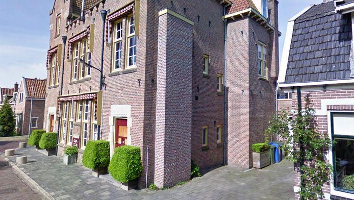Jan en Nel Winkelhuijzen bewoonden de bovenetage van het voormalige gemeentehuis van Beemster.