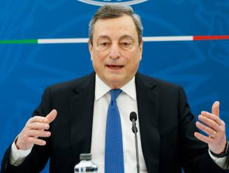 Premier Draghi kondigt vroeger dan gepland versoepelingen van coronamaatregelen aan in Italië