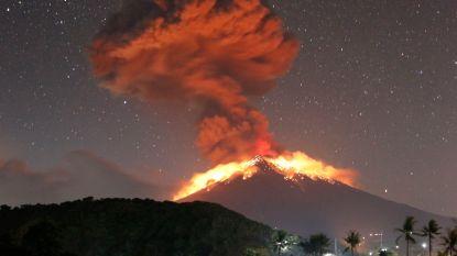 Vulkaan op Bali barst weer uit