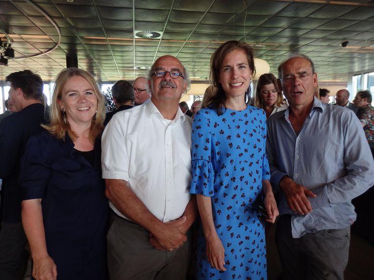 Annelies Pleyte (directeur Sport bij VWS), Johan Wakkie (Plan 4), wethouder Simone Kukenheim en Paul van der Velpen (Bureau Publieke Gezondheid). Beeld Schuim