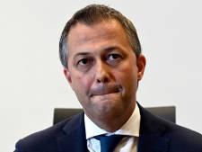 """Signes convictionnels: """"On peut soutenir"""" la position adoptée par le PS, estime Lachaert"""