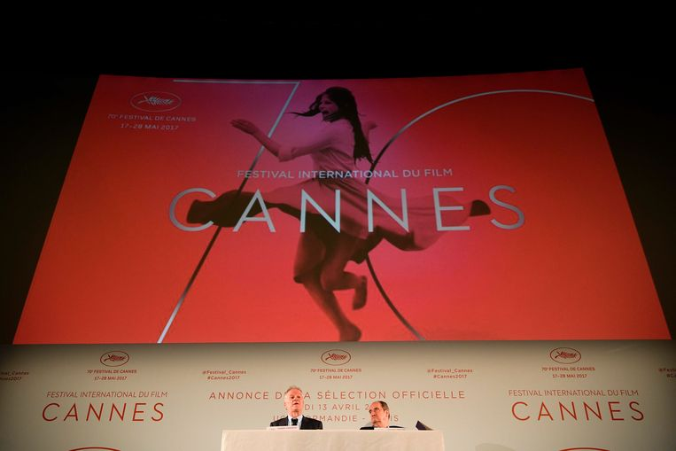 Thierry Frémaux en Pierre Lescure stellen de selectie voor. Beeld AFP