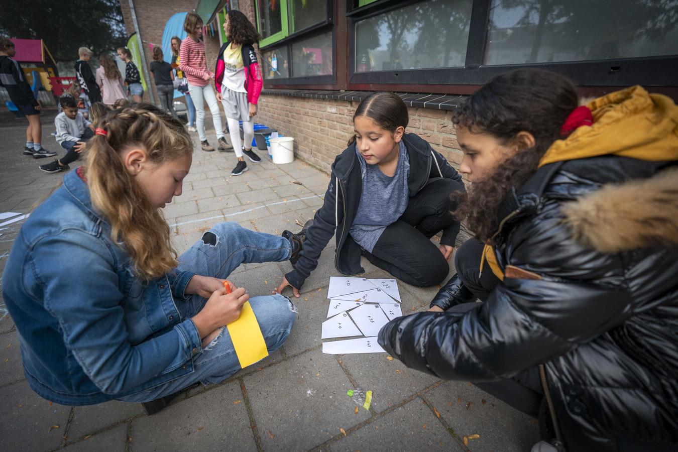 Stad Sint-Truiden wil werk maken van pestgedrag in Truiense scholen en zal daarom aan een nieuw antipestbeleid werken vanaf 2021. (Illustratiebeeld)