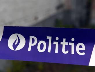 Thuisverpleegster (22) slaat politiemannen bont en blauw