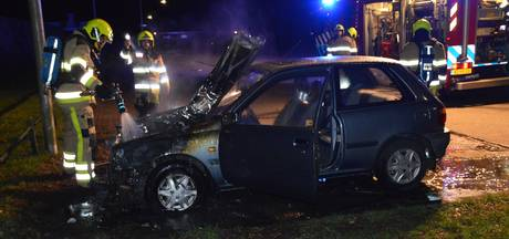 Geparkeerde auto in brand in Nijmegen