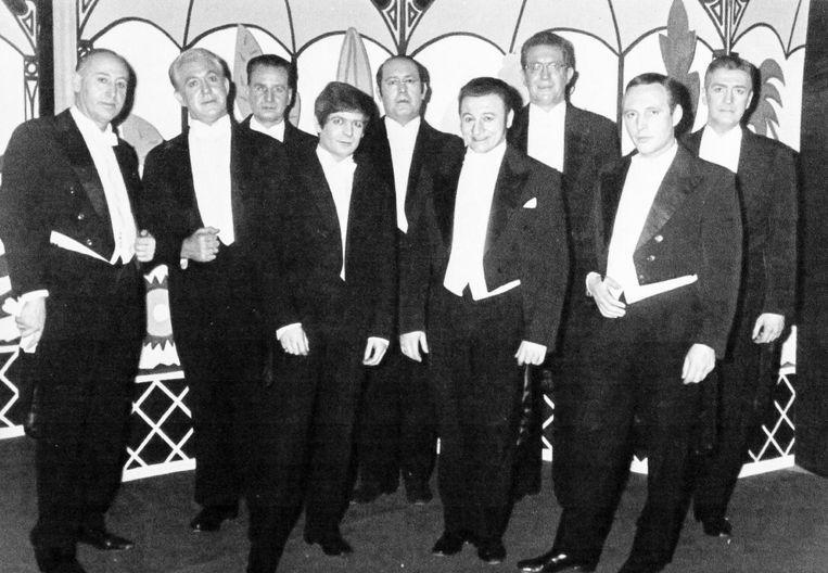 Een foto uit 1982 bij de Schoolbond.