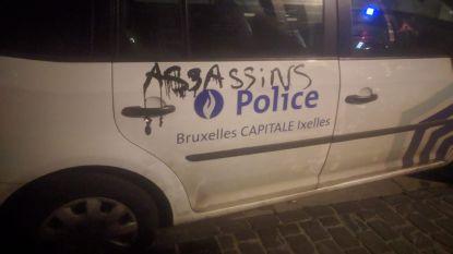 Politiewagen beklad bij protestmars door Brussel voor doodgeschoten peuter Mawda