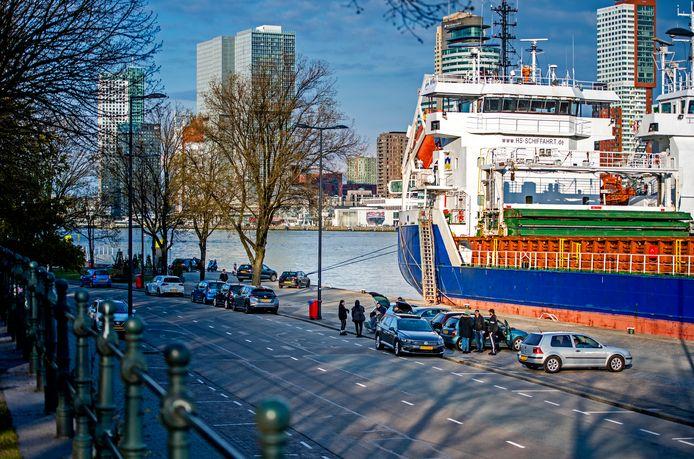 Het Scheepvaartkwartier is de overlast van straatracers op de Parkkade zat.