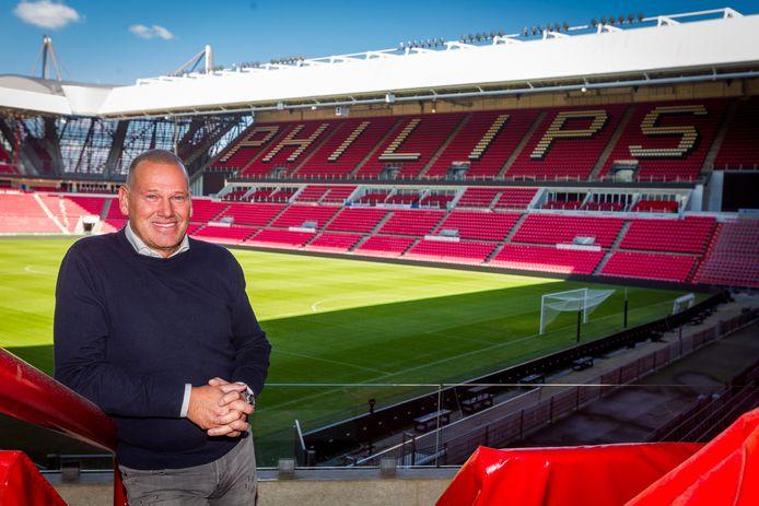Ebert Dollevoet in zijn skybox in het Philips Stadion van PSV, waar hij de huis-horecapartner is.