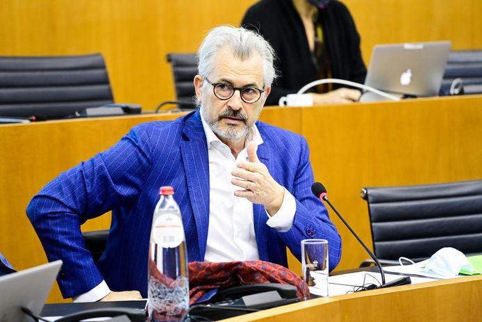 Brussels minister van Werk Bernard Clerfayt zegt dat Actiris de regels inzake openbare aanbestedingen heeft geschonden.